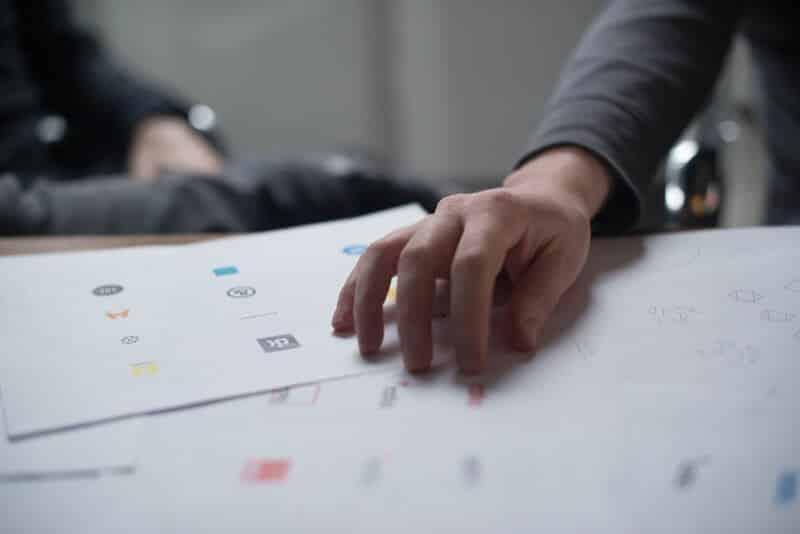 How to hire a logo designer